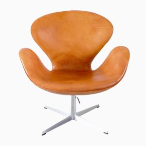 Early Edition Swan Chair by Arne Jacobsen for Fritz Hansen, 1967