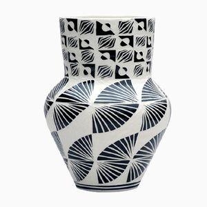 Vase Isolated Wave par Dana Bechert, 2017