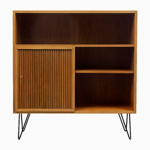 Kleines Mid-Century Walnuss Furnier Highboard, 1950er