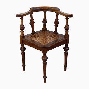 Sedia ad angolo antica in legno di noce con seduta intrecciata, fine XIX secolo