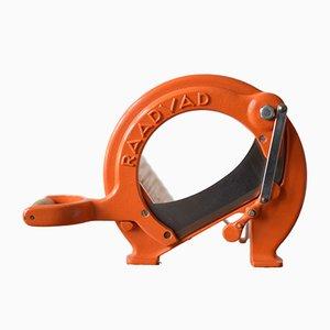 Dänische Orangefarbene Mid-Century Brotschneidemaschine von Ove Larsen für Raadvad