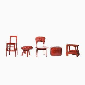 Sgabelli rossi - Made in China, Copied by the Dutch di Studio Wieki Somers, 2007, set di 5