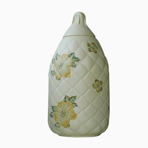 Bottiglia in terracotta verde chiara con fiori di Studio Wieki Somers, 2001