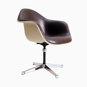 Discover Vintage Swivel Chairs Online At Pamono