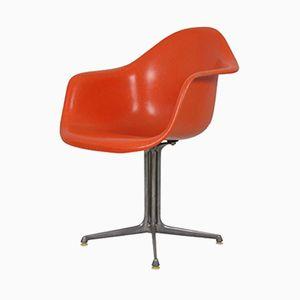 La Fonda Armlehnstuhl in Rot aus Fiberglas von Charles & Ray Eames für Herman Miller