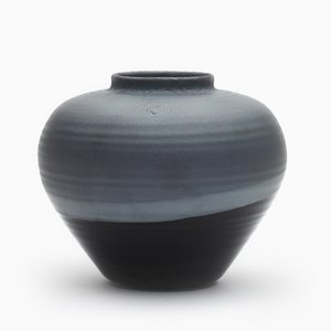 Round Vase in Black by Asahiyaki