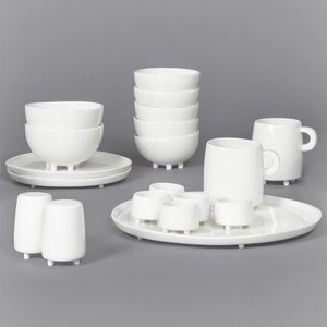 Maarten baas for Set petit dejeuner porcelaine