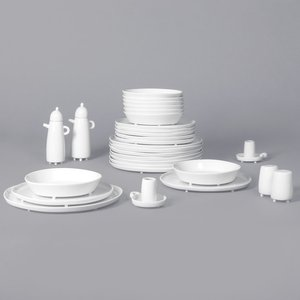 Haphazard Harmony Dinner Set by Maarten Baas