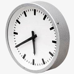 Industrielle Uhr von VEB Geräte Werk