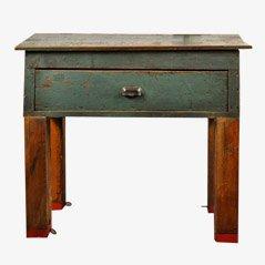 Umgestalteter Vintage Fabriktisch