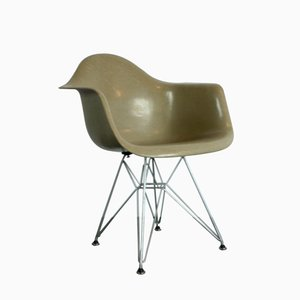 Vintage Armchair in Light Greige on Eiffel Base by Charles Eames for Zenith