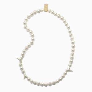 Collana con denti di squalo e perle di Nektar De Stagni