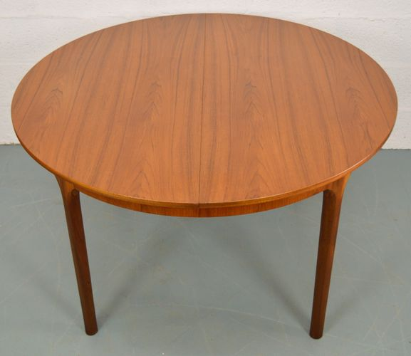 Teak Extendable Coffee Table: Mid-Century Extendable Round Teak Dining Table From