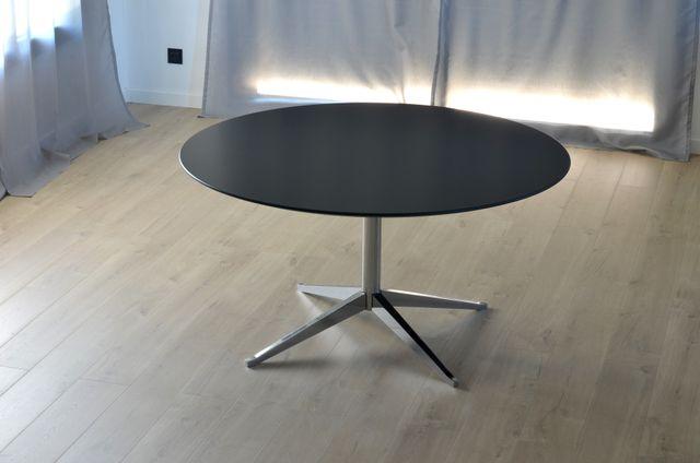 Mid century 2480 tisch von florence knoll f r knoll bei for Tisch koffer design