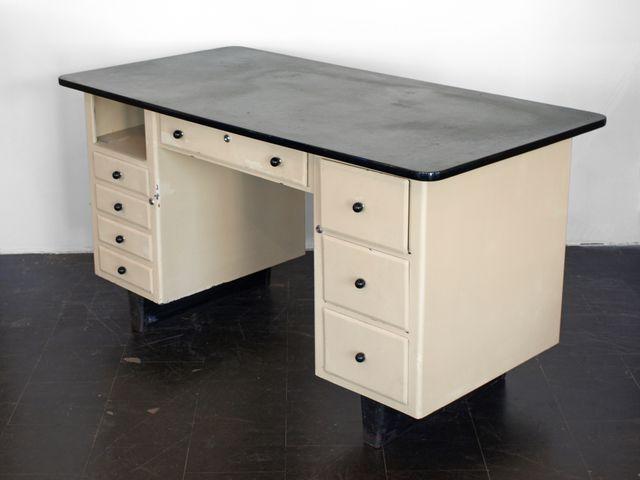 industrie arztschreibtisch 1960er bei pamono kaufen. Black Bedroom Furniture Sets. Home Design Ideas