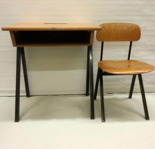 Vintage kinder schulbank mit stuhl bei pamono kaufen for Stuhl designklassiker vintage