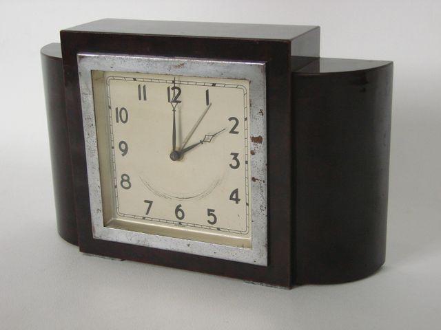 art deco uhr markiert foreign 1930er bei pamono kaufen. Black Bedroom Furniture Sets. Home Design Ideas