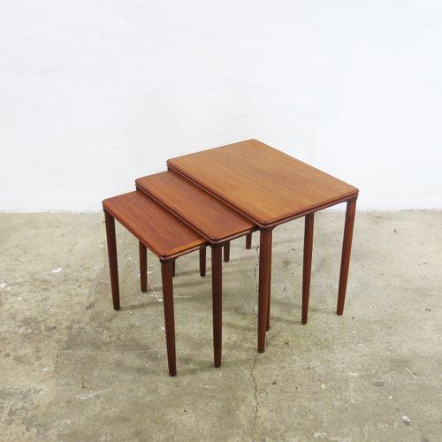d nische vintage satztische 1960er bei pamono kaufen. Black Bedroom Furniture Sets. Home Design Ideas