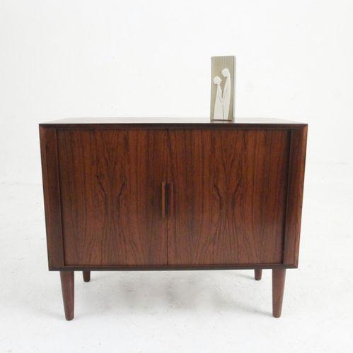 kleines mid century palisander sideboard mit rollt ren bei pamono kaufen. Black Bedroom Furniture Sets. Home Design Ideas