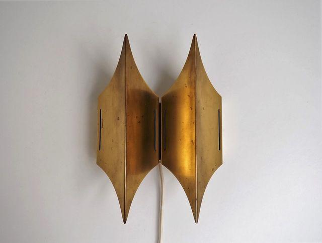 skulpturale d nische gothic ii wandlampe aus messing von lyfa 1960er bei pamono kaufen. Black Bedroom Furniture Sets. Home Design Ideas