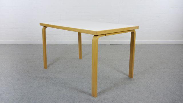 vintage modell 81b esstisch von alvar aalto f r artek bei pamono kaufen. Black Bedroom Furniture Sets. Home Design Ideas