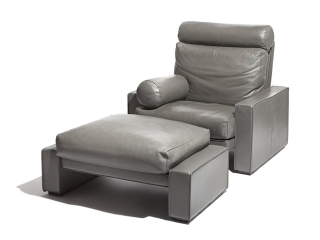 victoria lounge chair ottoman by mario bellini for. Black Bedroom Furniture Sets. Home Design Ideas