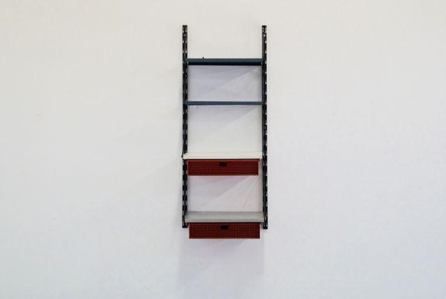 metall wandregal von tjerk reijenga f r pilastro holland bei pamono kaufen. Black Bedroom Furniture Sets. Home Design Ideas