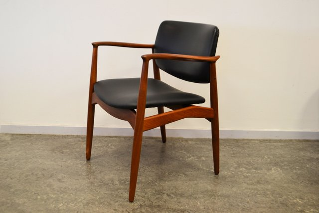 Teak captain 39 s chair by erik buch for rum m bler for sale for Chaise capitaine