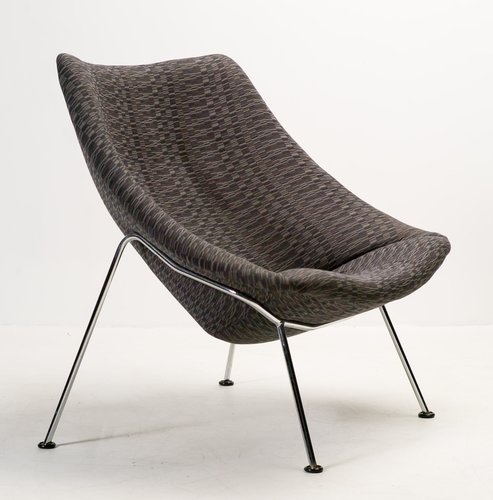 Large f157 oyster lounge chair by pierre paulin for for Artifort chaise lounge