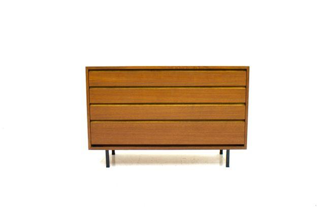 kleine skandinavische kommode von ollie borg f r asko. Black Bedroom Furniture Sets. Home Design Ideas