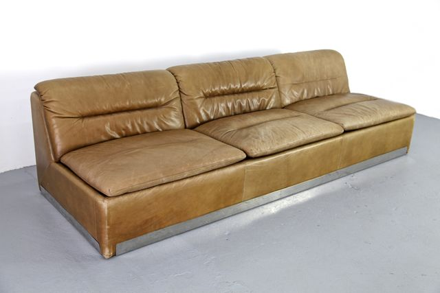 vela bassa sofa von giovanni offredi f r saporiti italien. Black Bedroom Furniture Sets. Home Design Ideas