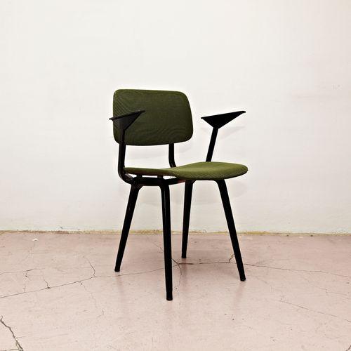 1964 Rare Friso Kramer Coffee Table For Ahrend De Cirkel: Revolt Arm Chair By Friso Kramer For Ahrend De Cirkel