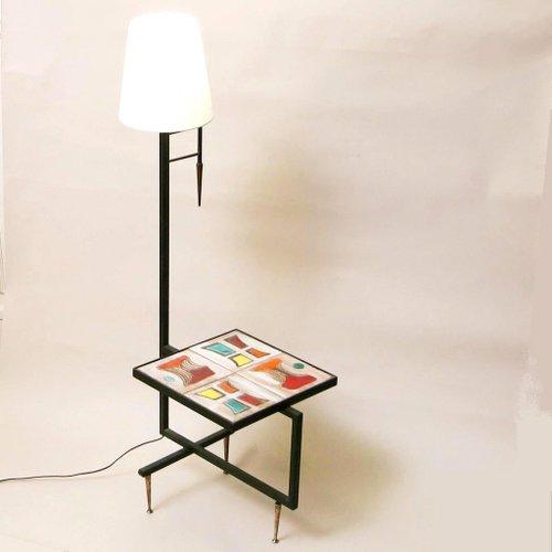 vintage beistelltisch mit lampe 1950er bei pamono kaufen. Black Bedroom Furniture Sets. Home Design Ideas