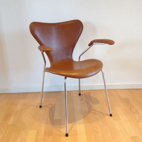 3207 Syveren Elegance Dining Chair in Brown by Arne  : 3207 syveren elegance dining chair in brown by arne jacobsen for fritz hansen from pamono.com size 500 x 500 jpeg 19kB