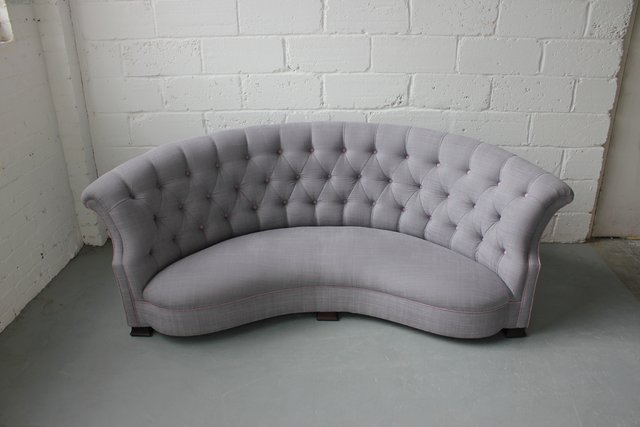 vintage curved english sofa 1920s for sale at pamono. Black Bedroom Furniture Sets. Home Design Ideas