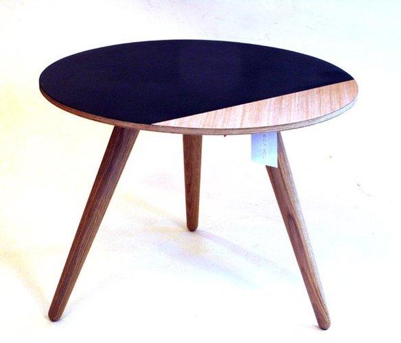 kleiner runder beistelltisch bei pamono kaufen. Black Bedroom Furniture Sets. Home Design Ideas