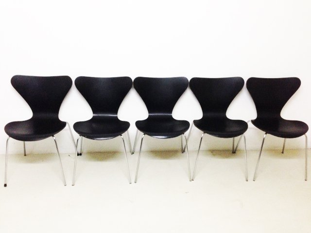 Black Butterfly Chairs By Arne Jacobsen For Fritz Hansen, 1974, Set Of 2