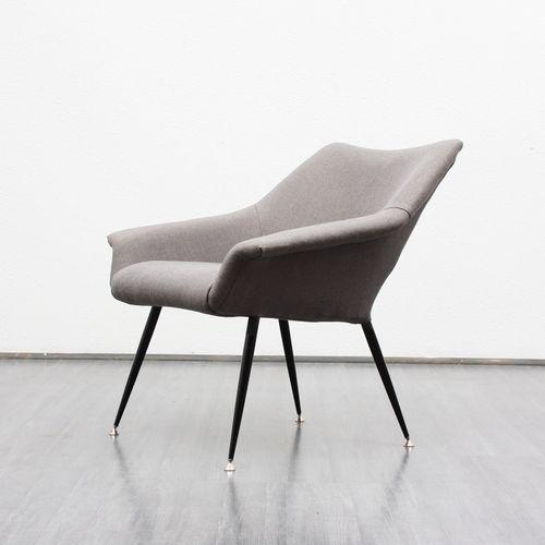 grauer vintage sessel 1950er bei pamono kaufen. Black Bedroom Furniture Sets. Home Design Ideas
