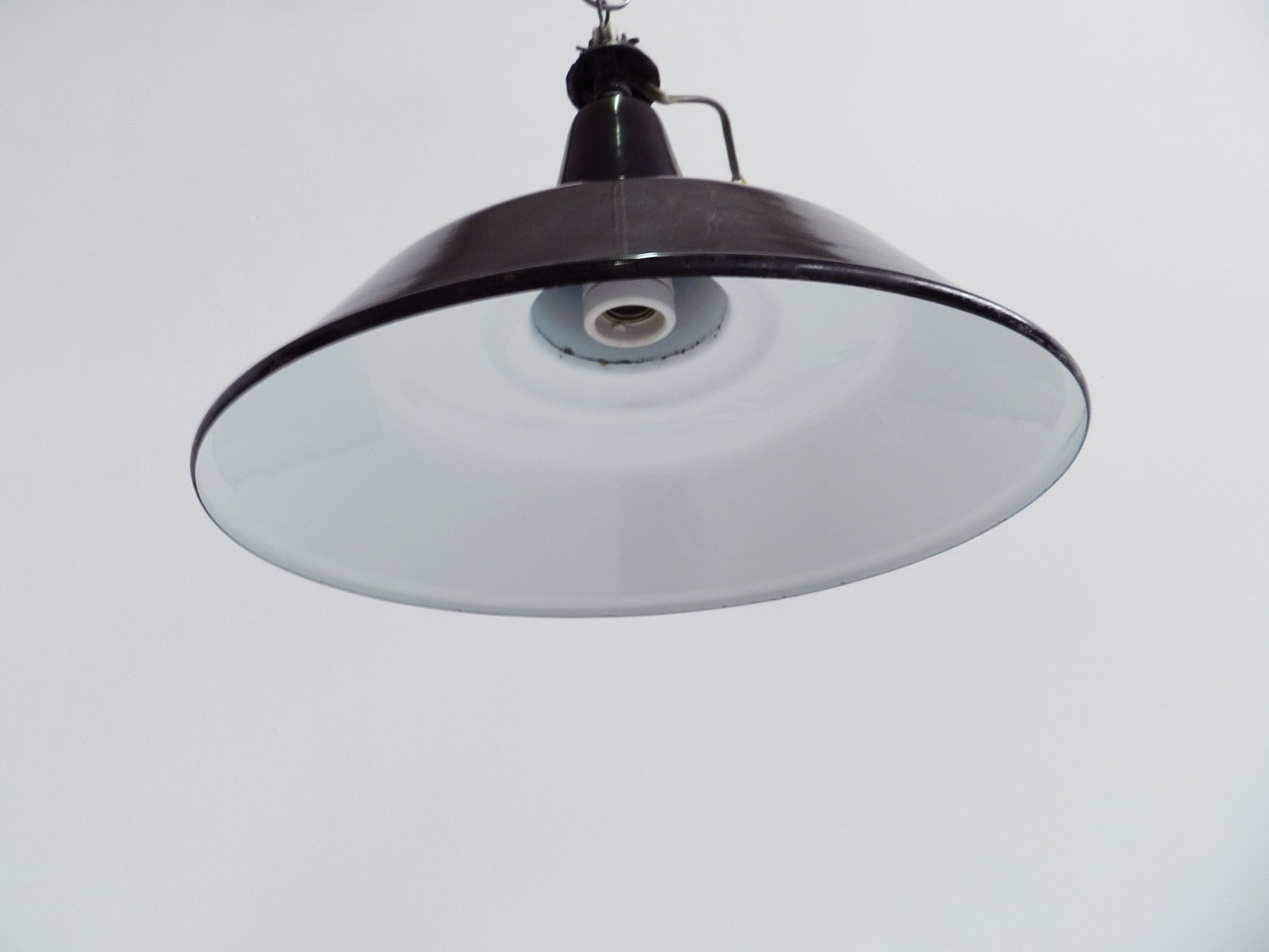 Lampe suspension vintage industrielle suisse en vente sur pamono - Lampe suspension industrielle ...