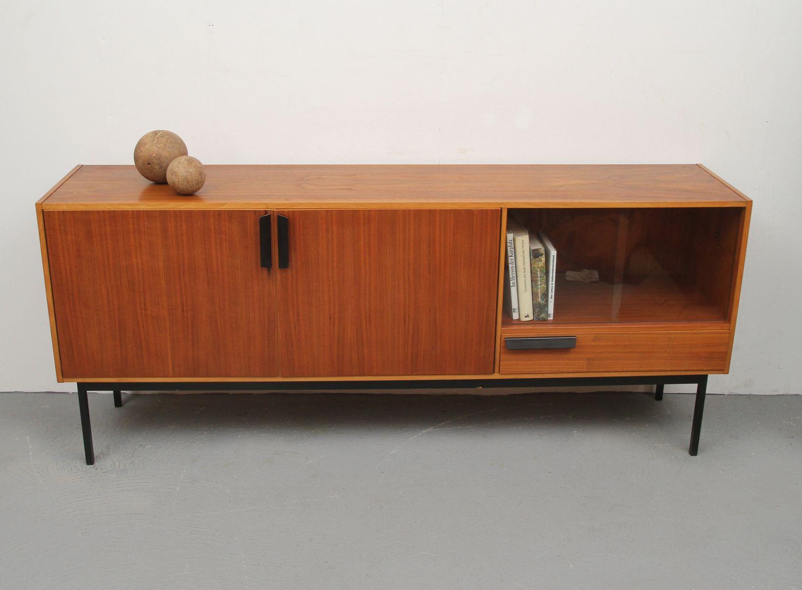 deutsches sideboard aus nussholz mit vitrine 1960er bei pamono kaufen. Black Bedroom Furniture Sets. Home Design Ideas