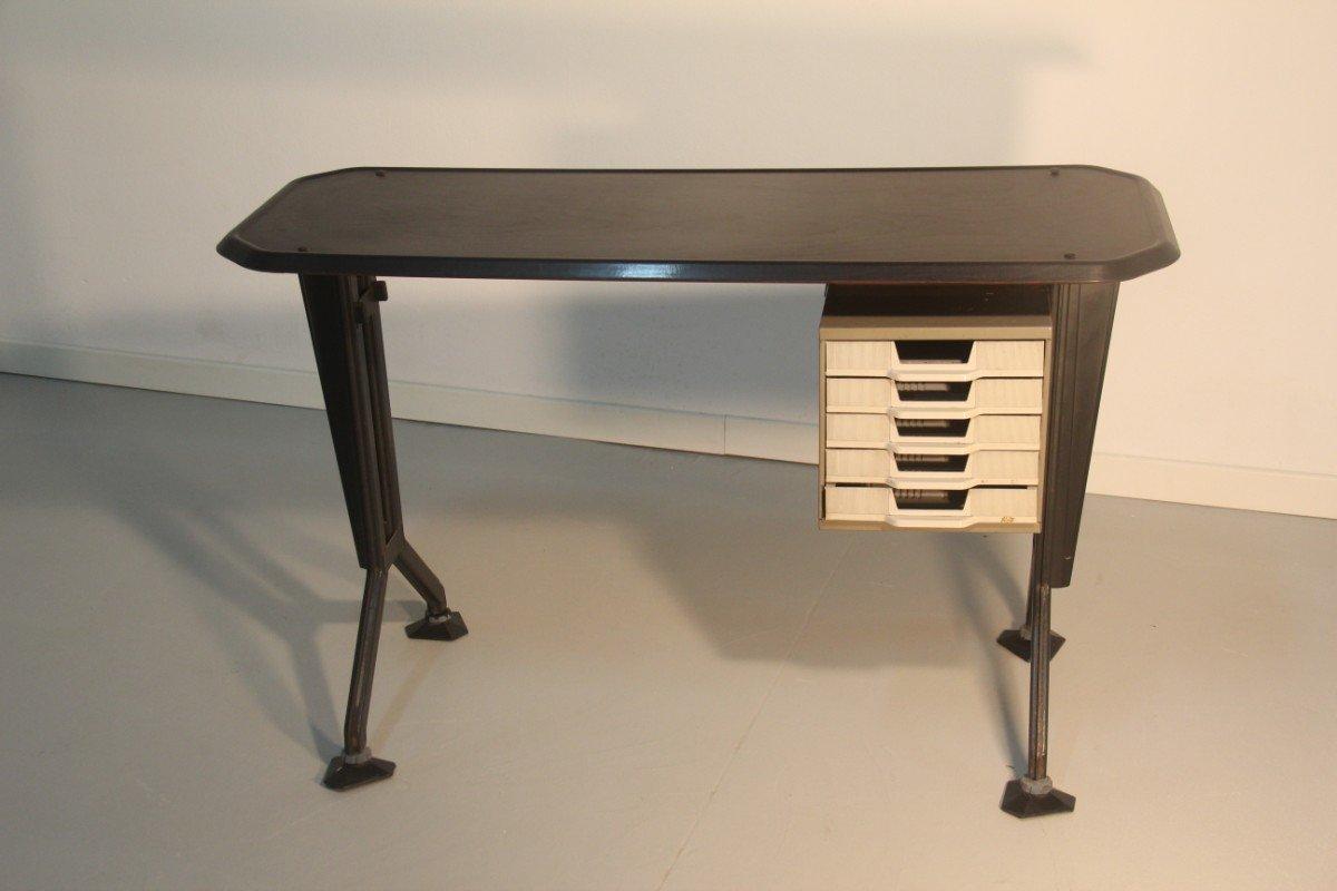 mini schreibtisch von bbpr f r olivetti synthesis 1960. Black Bedroom Furniture Sets. Home Design Ideas
