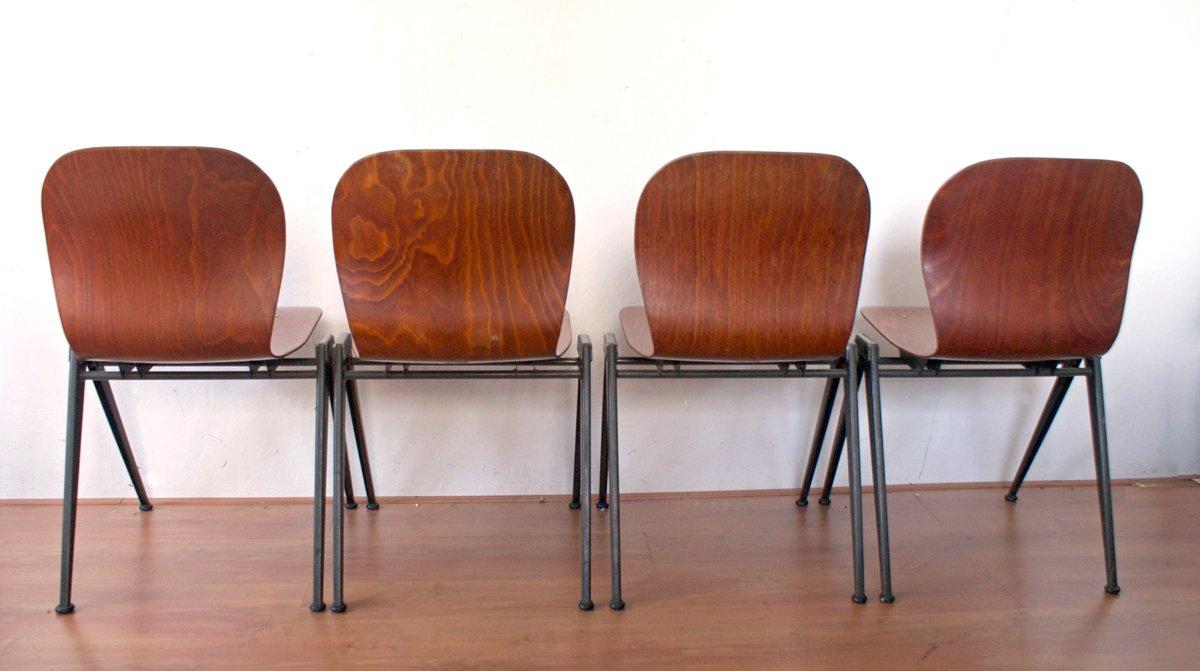 industrielle st hle aus metall bugholz 1960er 4er set bei pamono kaufen. Black Bedroom Furniture Sets. Home Design Ideas