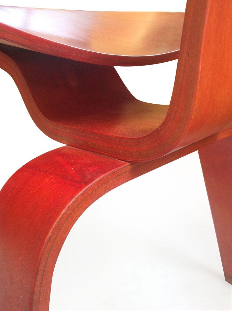 dcw stuhl aus rotem anilin von ray und charles eames f r herman miller bei pamono kaufen. Black Bedroom Furniture Sets. Home Design Ideas