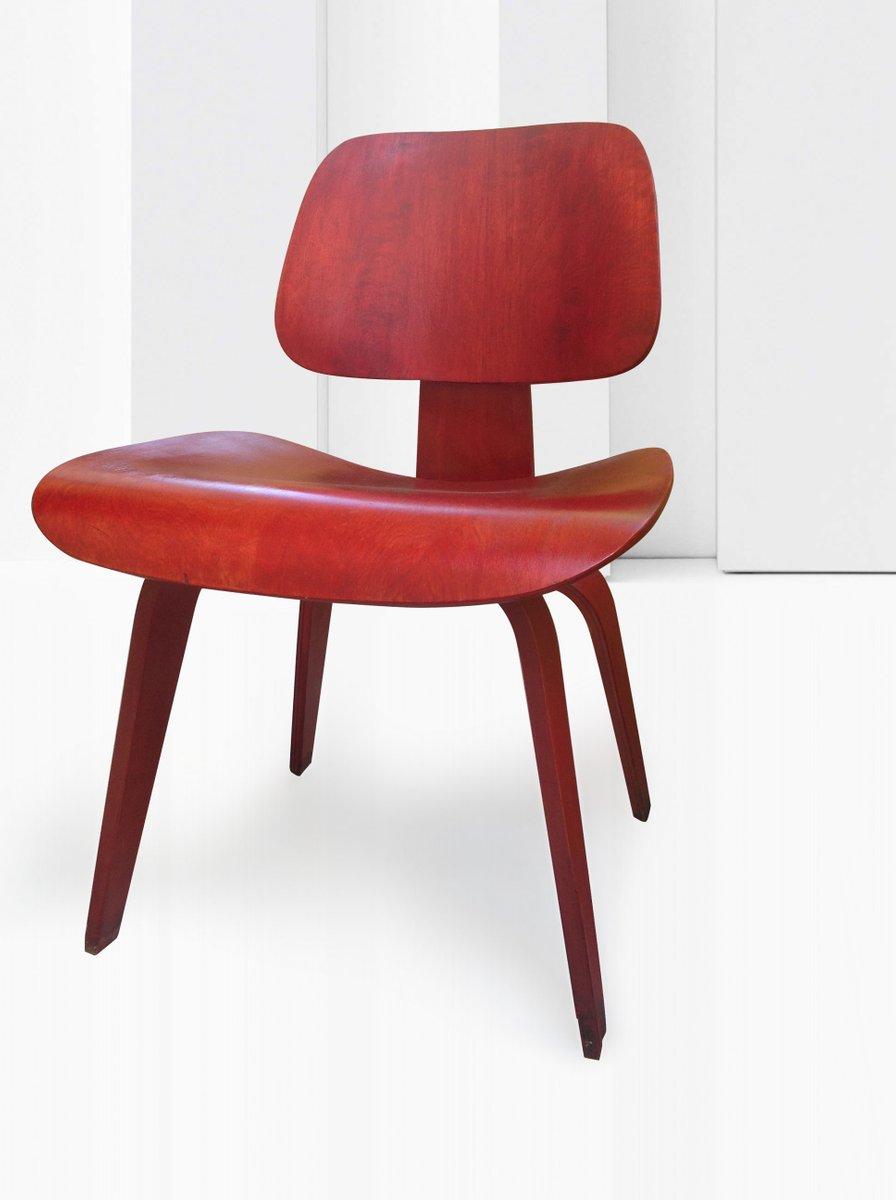 red aniline dcw chair by ray and charles eames for herman miller for sale at pamono. Black Bedroom Furniture Sets. Home Design Ideas