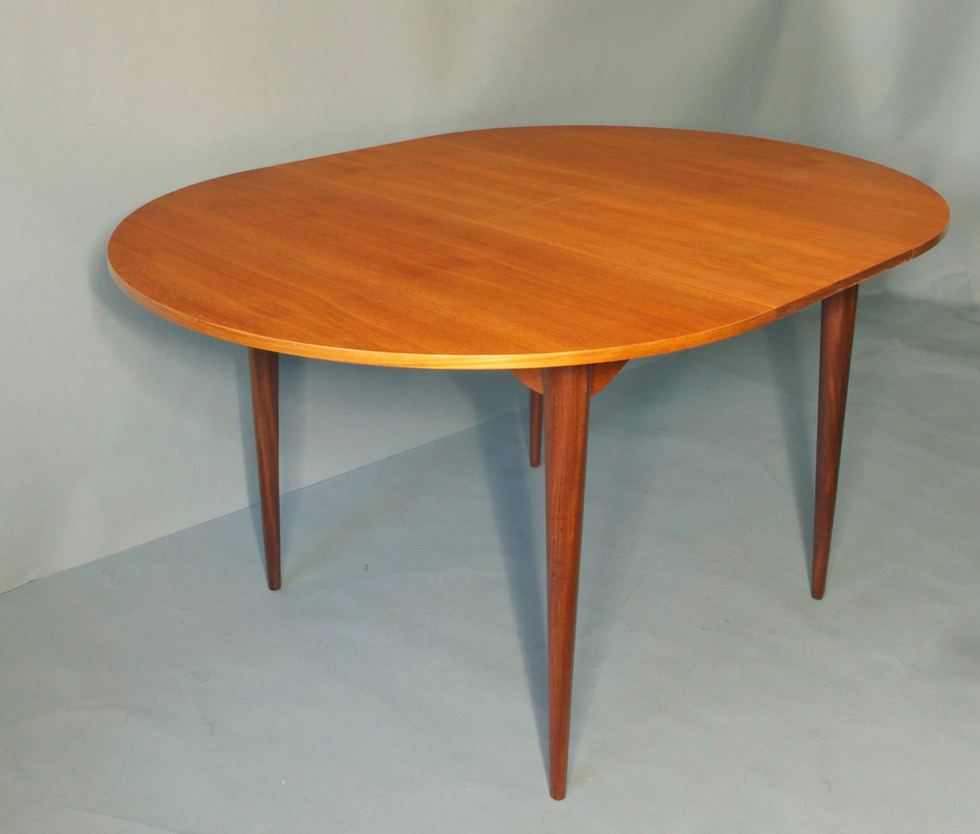 Mid Century Circular Teak Extendable Dining Table 1960s  : mid century circular teak extendable dining table 1960s 2 from www.pamono.co.uk size 1410 x 1200 jpeg 74kB