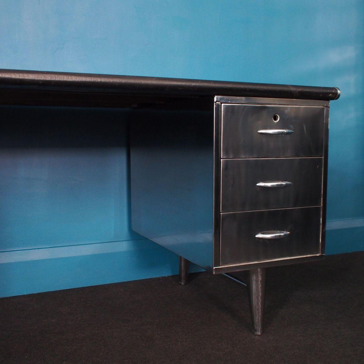 industrieller vintage schreibtisch aus poliertem stahl 1960er bei pamono kaufen. Black Bedroom Furniture Sets. Home Design Ideas