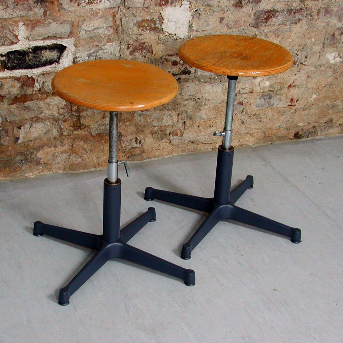 Werkstatthocker  Vintage Industrial Work Stool, 1960s for sale at Pamono