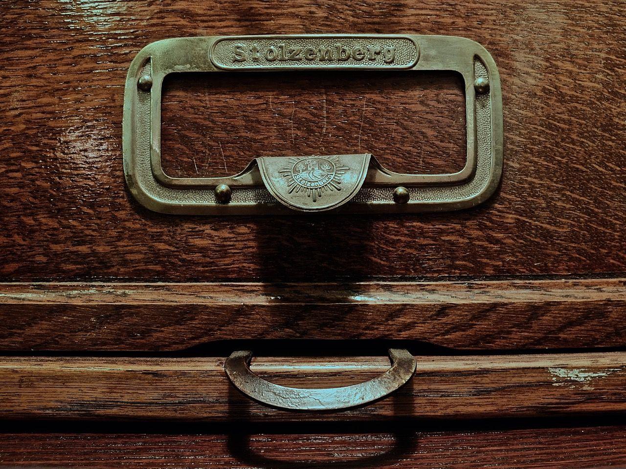 vintage filing cabinets from bureau einrichtung. Black Bedroom Furniture Sets. Home Design Ideas