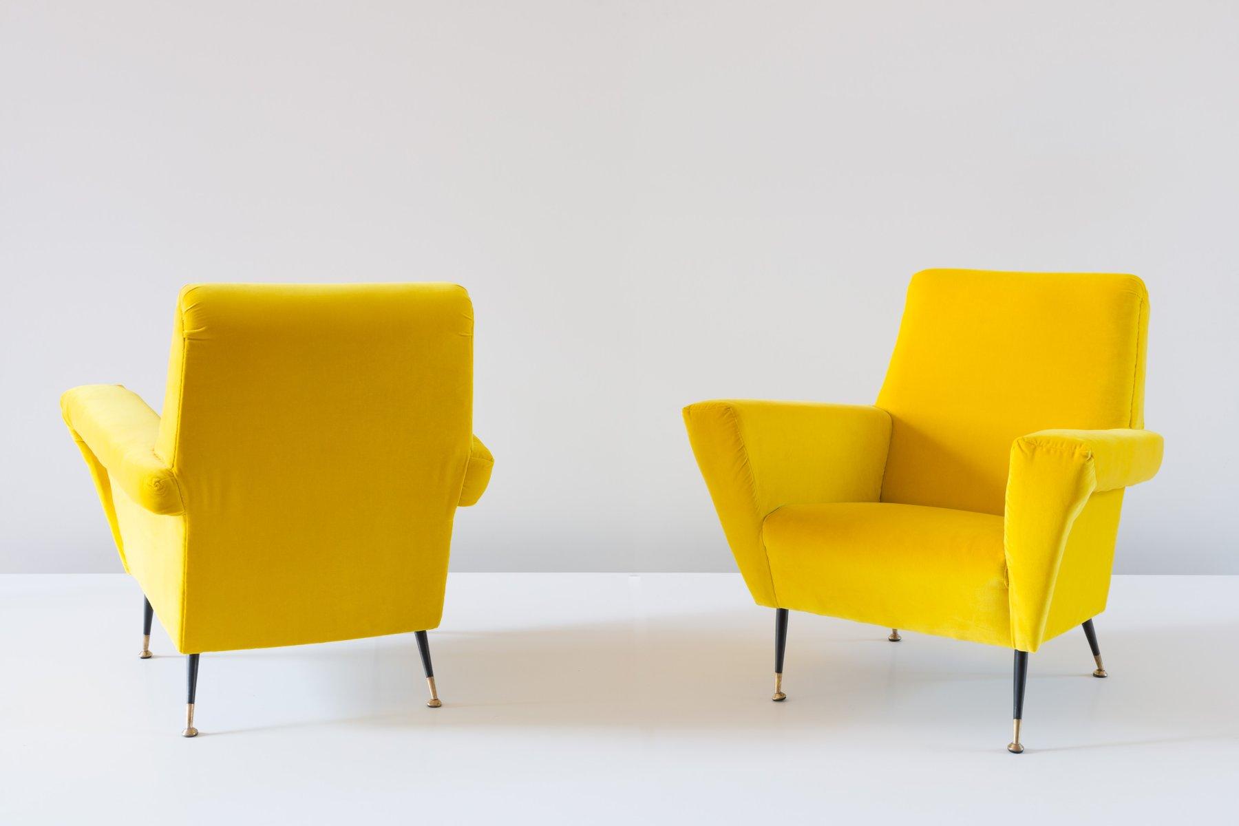fauteuils vintage en velours jaune italie 1950s set de 2 en vente sur pamono. Black Bedroom Furniture Sets. Home Design Ideas
