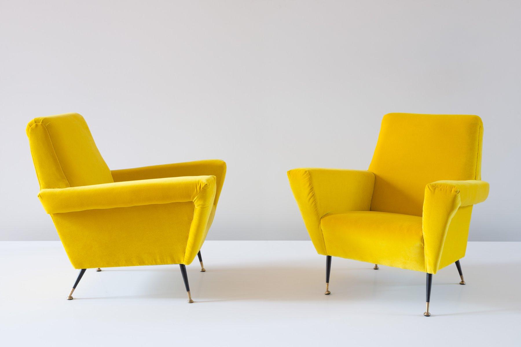 italienische vintage samt sessel in gelb 1950er 2er set bei pamono kaufen. Black Bedroom Furniture Sets. Home Design Ideas